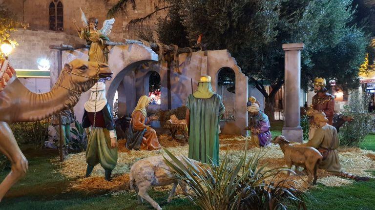Belén monumental en Valencia  donado por el Gremio de Artistas Falleros