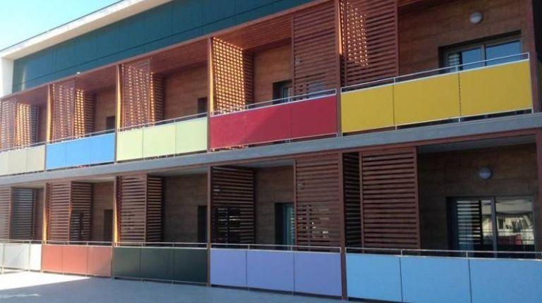 Venta solidaria de cuadros a beneficio de la Casa Ronald McDonald de Valencia