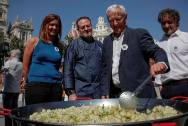 Degustación de nueve tipos de paella el día 20 en la Plaza del Ayuntamiento de Valencia para celebrar el World Paella Day