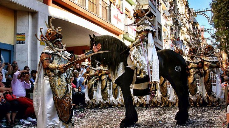 La Asociación de San Jorge y Turisme Comunitat Valenciana colaboran para la promoción de las fiestas de Moros y Cristianos de Alcoy