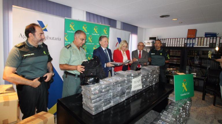 Guardia Civil y Aduanas interceptan  más de 700 kilos de cocaina en el puerto de Valencia