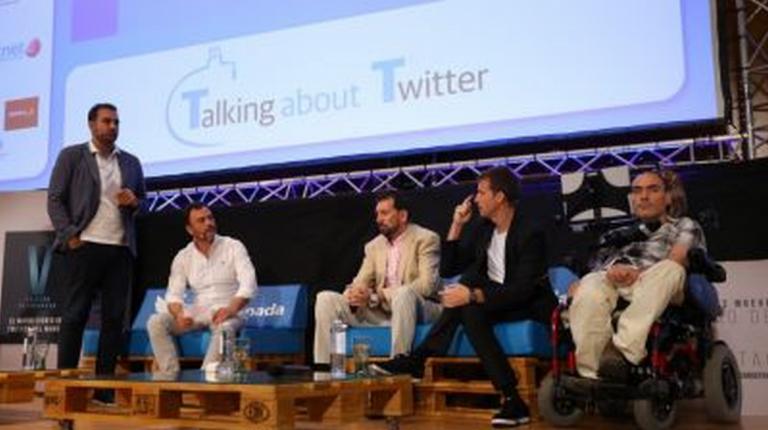 Por primera vez una persona con movilidad reducida tuitea con los ojos gracias al proyecto #TuitsAOjo