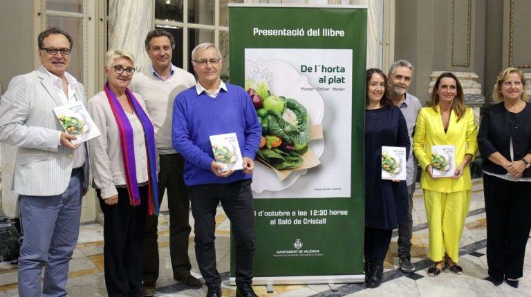 Lo mejor de la gastronomía valenciana en el libro 'De L'Horta al Plat. Plantar, Créixer, Menjar'