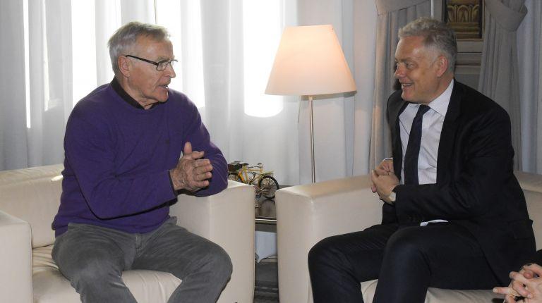 embajador del Reino Unido en España, Simon Manley