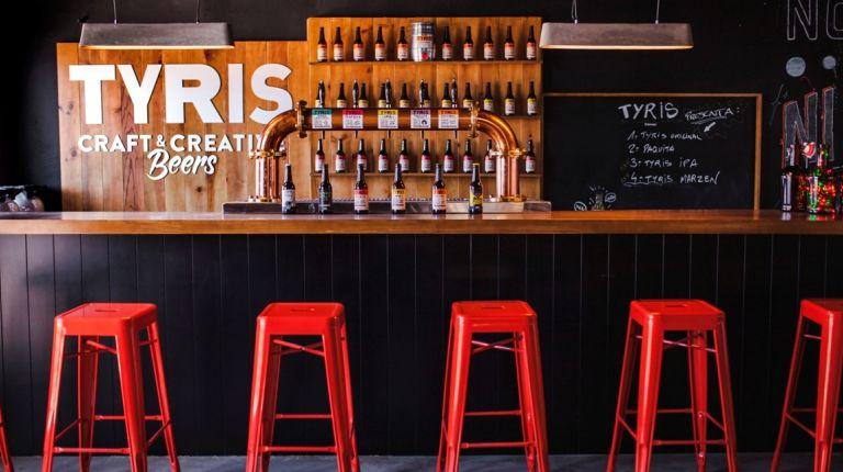 La fábrica de cervezas Tyris organiza visitas con cata incluida