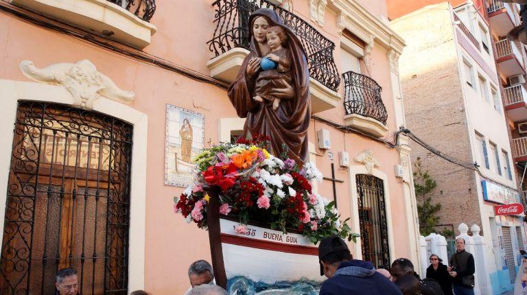 Los pescadores de los Poblados Marítimos de Valencia honran a su patrona, la Virgen de la Buena Guía