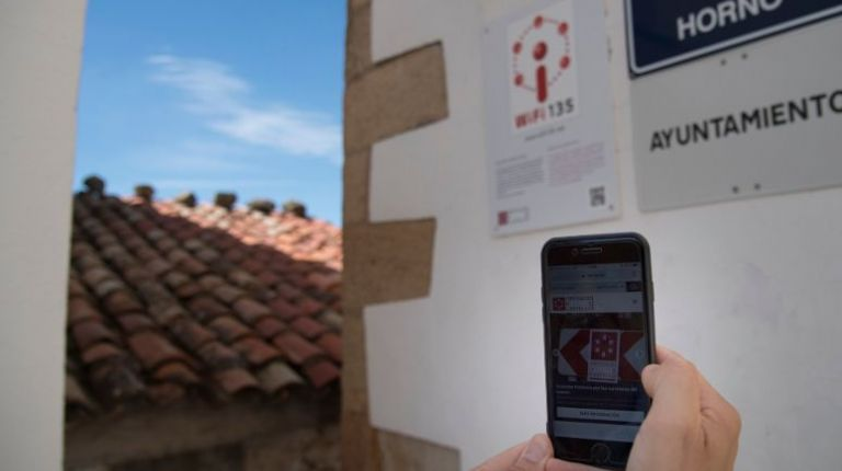 La Diputación de Castellón consolida el Plan Wifi-135